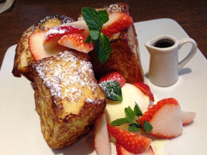 Strawberryfrenchtoast